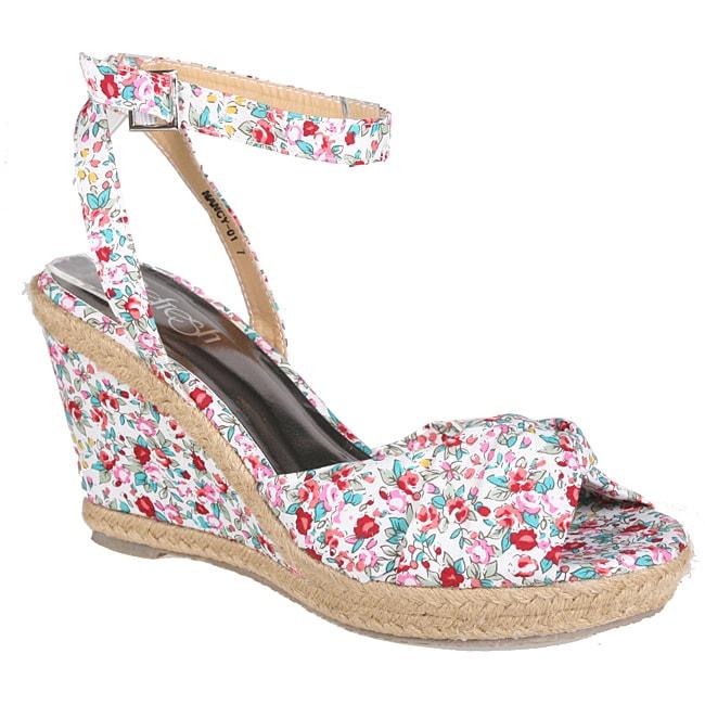Refresh by Beston Women's 'Cutie' Wedge Sandals