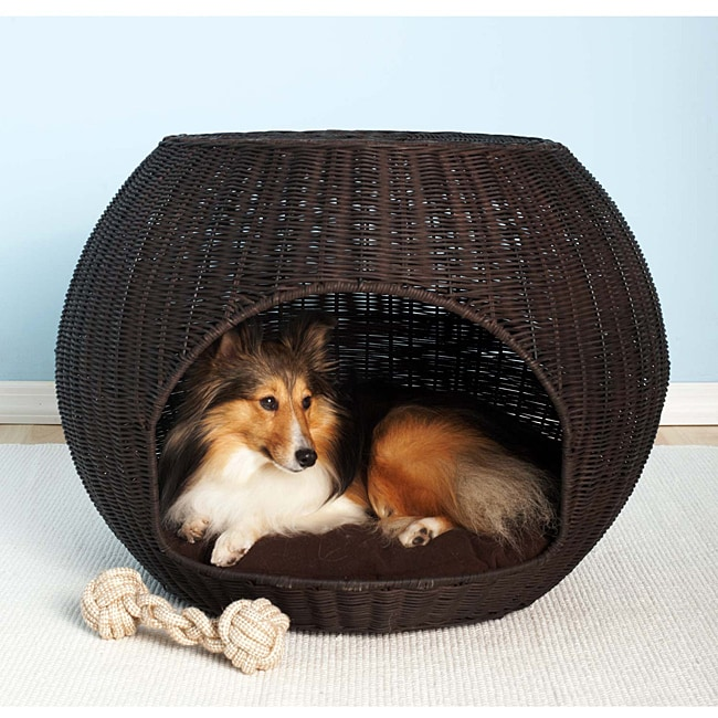 The Igloo Indoor/Outdoor Brown Faux-rattan Pet Bed/End Table