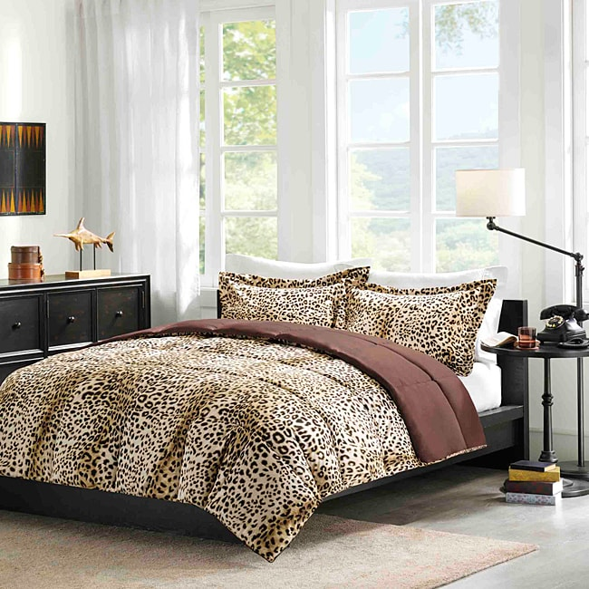 Comfort Classic Cheetah/Ocelot King-size 3-piece Down Alternative Comforter and Sham Set