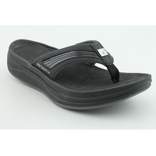 New Balance Women's Revive Thong Black Sandals