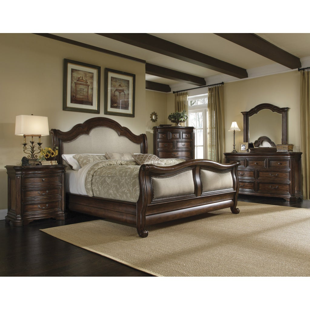 King-size 'Corondo' 4-piece Wood/ Linen Bedroom Set