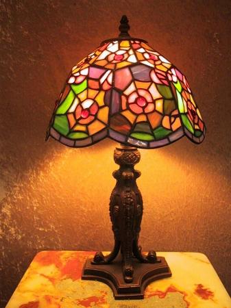 Tiffany-style Cobweb Lamp