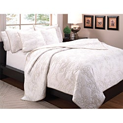 Lynnwood Whisper Full/Queen-size 3-piece Quilt Set