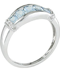 14 kt. White Gold Diamond Aquamarine Ring