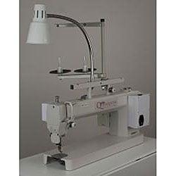 Queen Quilter 18 Sit Down Long Arm Quilting Machine w/Foldable Table