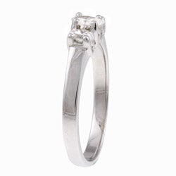 14k White Gold 1/3ct TDW Oval Diamond 3-stone Ring (Size 7)