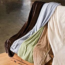 Mink to Fur Reversible Queen-size Blanket