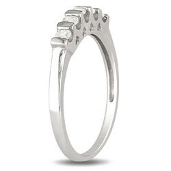 Sterling Silver 1/4ct TDW Diamond Anniversary Ring (H-I, I3)
