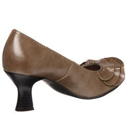 CL by Laundry Women's 'Kerensa' Ruffle Pumps