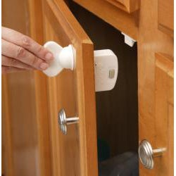 Safety First Magnetic Locking System (Set of 4)