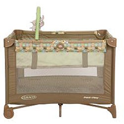 Graco Pack 'n Play Playard with Bassinet in Zooland