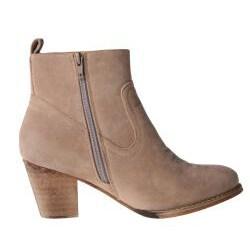 Refresh by Beston Women's 'SALLY-01' Chunky Heel Ankle Booties