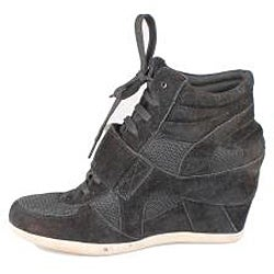 Refresh by Beston Women's 'Dakota' Black Sneaker Booties