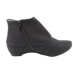 Blossom by Beston Women's 'Amar-22' Black Ankle Booties