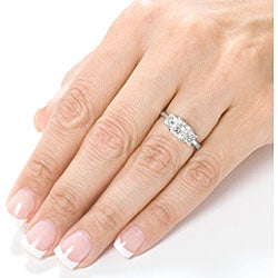 14k White Gold 2ct TDW Diamond 3-stone Ring