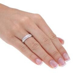 14k White Gold Women's Hand-braided Comfort Fit Wedding Band (5.2 mm)