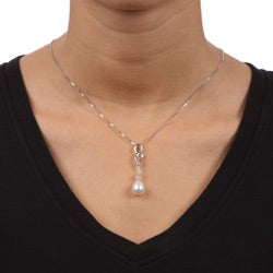 Kabella Sterling Silver Freshwater Pearl and Cubic Zirconia Necklace (9.5 mm)