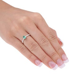 14k White Gold Emerald and Diamond Accent Ring  (Size 7)