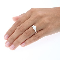14k White Gold 1 1/6ct TDW Oval and Crescent Diamond 3-stone Ring (H-I, I1-I2) (Size 6.25)