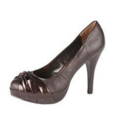 Refresh 'Brandy-01' Women's Patent Ribbon Close Toe Pump