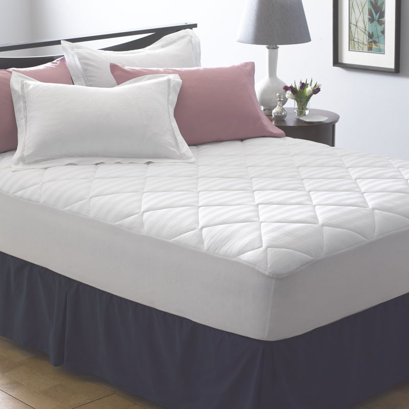 Famous Maker Microluxe Twin-Size Mattress Pad