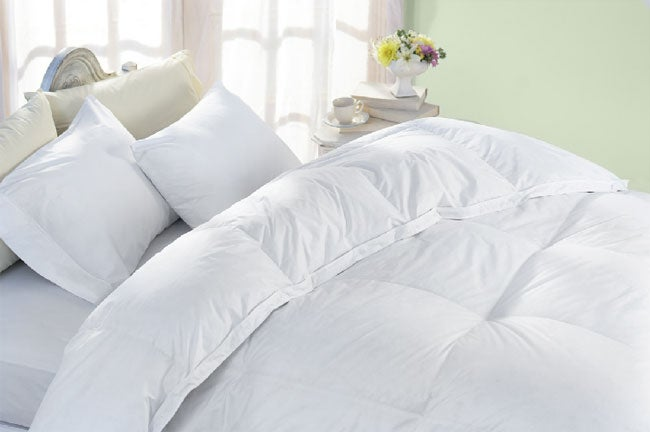 Oversized Egyptian Cotton 325 Thread Count White Down Comforter