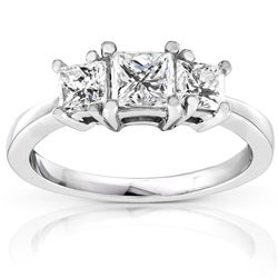 Platinum 1ct TDW Princess Diamond 3-stone Ring (H-I, SI1-SI2)