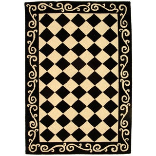 Hand-hooked Diamond Black/ Ivory Wool Rug (3'9 x 5'9)
