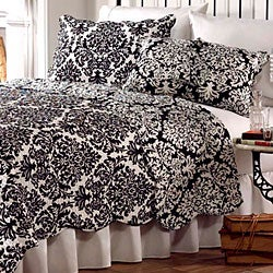 Ventura Black and White Quilt Set