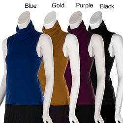 Cable and Gauge Junior's Sleeveless Turtleneck