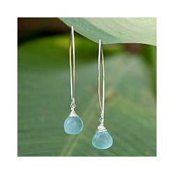 Sterling Silver Chalcedony &#39;Sublime&#39; Earrings (Thailand)