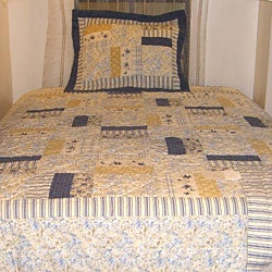 Cottage Floral Quilt Set