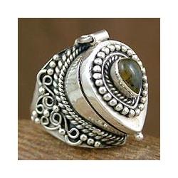 Labradorite 'Forever Love' Cocktail Locket Ring (India)
