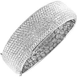 18k White Gold 16 1/10ct TDW Diamond Bangle (G-H, VS2)