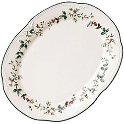 Pfaltzgraff Winterberry 18-inch Oval Platter