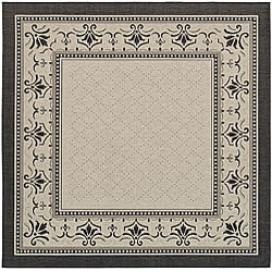 Indoor/ Outdoor Royal Sand/ Black Rug (7'10 Square)