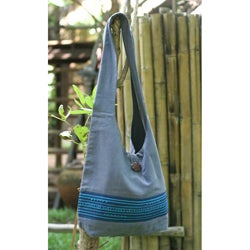 Handmade 'Blueberry Surprise' Cotton Shoulder Bag (Thailand)