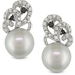 10k Gold Grey FW Pearl and 1/4ct TDW Diamond Earrings (H-I, I2-I3) (8-8.5 mm)