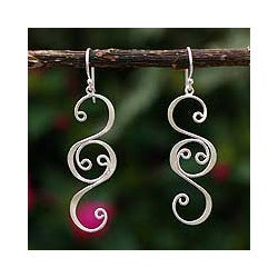 Silver 'Sweet Sonnet' Dangle Earrings (Peru)