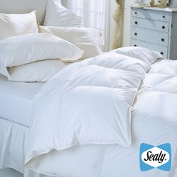 Sealy Oversize 230 Thread Count Down Alternative Comforter