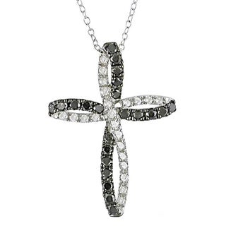 Haylee Jewels Silver 1ct TDW Black and White Diamond Cross Necklace (H-I, I2-I3)