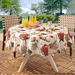 Plush Floral 70 in Round Indoor/ Outdoor Stain Resistant Tablecloth