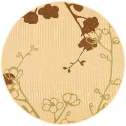 Safavieh Indoor/ Outdoor Natural/ Olive Rug (6'7 Round)