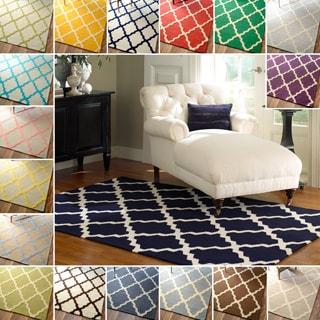 nuLOOM Hand-hooked Alexa Moroccan Trellis Wool Rug (5' x 8')