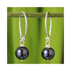 Sterling Silver 'Night Queen' Pearl Earrings (7 mm) (Thailand)