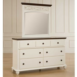 Broyhill Cross Creek Cherry and White 7-drawer Dresser