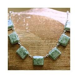 Handcrafted Sterling Silver 'Maya Wisdom' Jade Necklace (Guatemala)