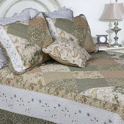 Laura Patchwork Full/ Queen-size 3-piece Quilt Set