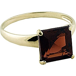 Gioelli 10k Yellow Gold Garnet Solitaire Ring