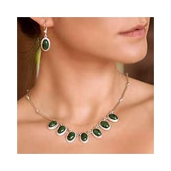 Sterling Silver 'Eternal Love' Jade Necklace (Guatemala)